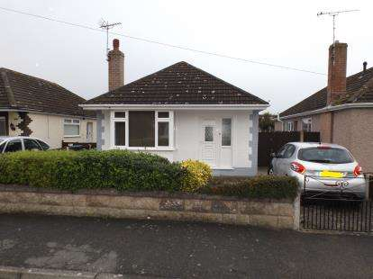 2 Bedrooms Bungalow for sale in Winchester Drive, Prestatyn, Denbighshire, LL19
