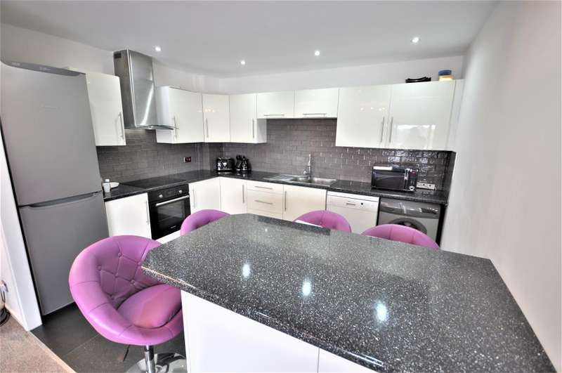 2 Bedrooms Apartment Flat for sale in Victoria Mansions, Navigation Way, Preston, Lancashire, PR2 2YY
