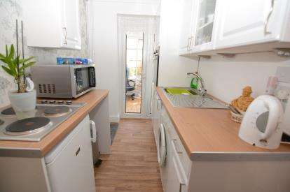 1 Bedroom Bungalow for sale in Basildon, Essex, United Kingdom