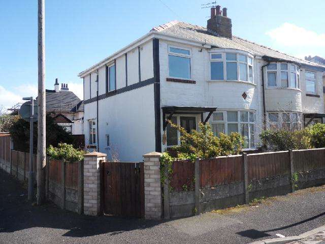 3 Bedrooms Semi Detached House for sale in Manor Drive, Thornton Cleveleys, FY5 1ET
