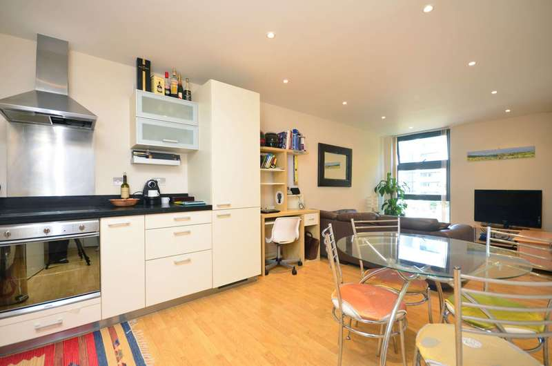 1 Bedroom Flat for sale in Manilla Street, Canary Wharf, E14