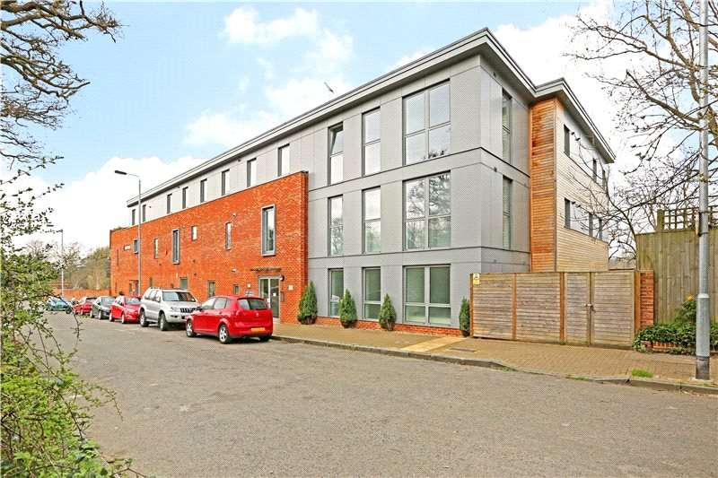 2 Bedrooms Flat for sale in George Court, Norstead Place, London, SW15