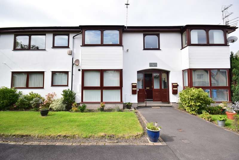 2 Bedrooms Ground Flat for sale in 219 Clifton Drive South, Lytham St Annes, FY8