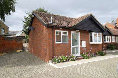 1 Bedroom Bungalow for sale in High Street, Maldon, Essex