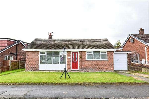 2 Bedrooms Detached Bungalow for sale in Ellesmere Road, Ashton in Makerfield