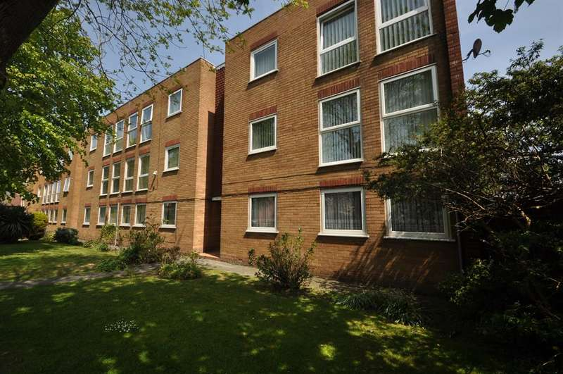 2 Bedrooms Flat for sale in Imperial Avenue, Wallasey, CH45 7ND