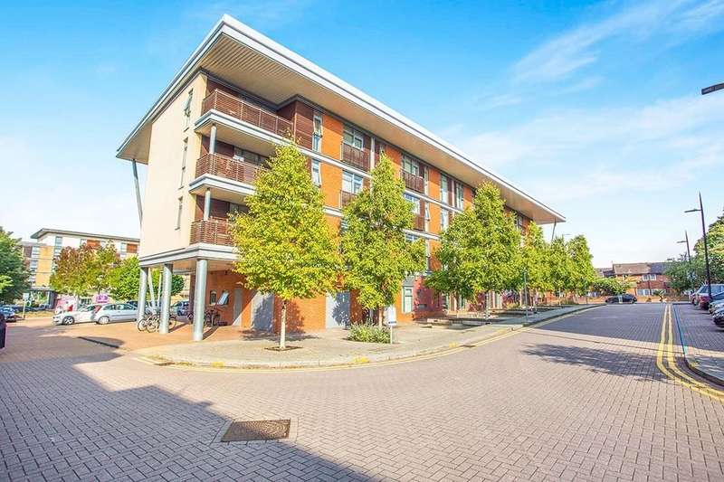 2 Bedrooms Flat for sale in Whippendell Road, Watford, WD18