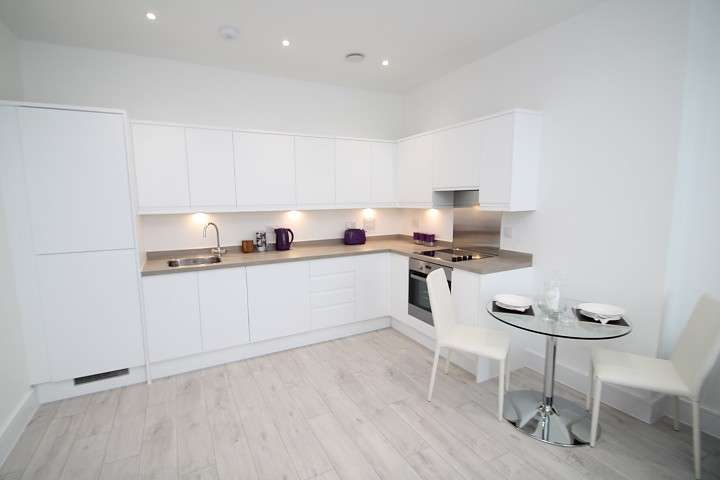 1 Bedroom Flat for sale in 'Venture House', 42-54 London Road, Staines-Upon-Thames, TW18