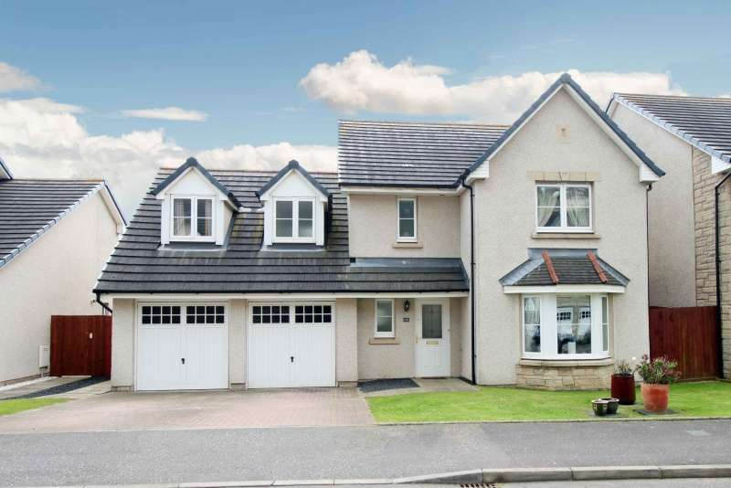 4 Bedrooms Detached Villa House for sale in Inchgarvie Avenue, Burntisland, Fife, KY3 0BX
