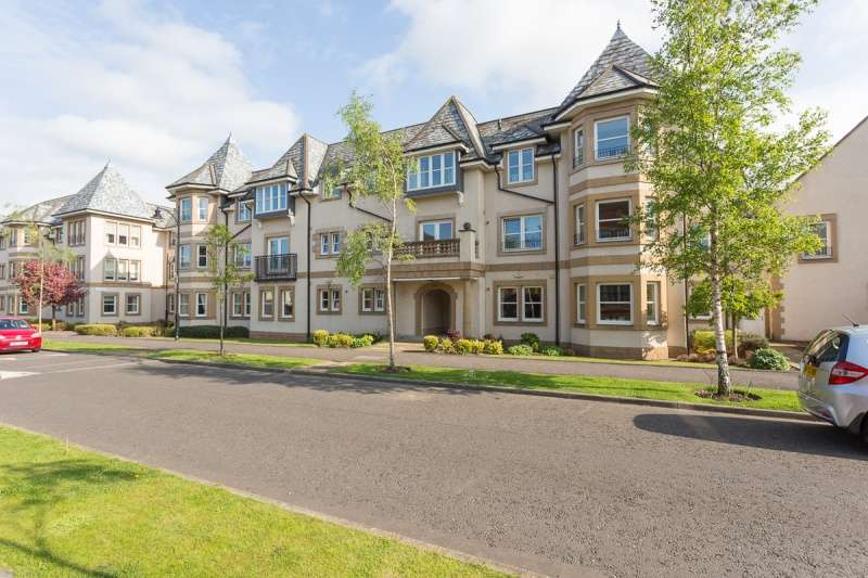 2 Bedrooms Flat for sale in Rattray Grove, Greenbank, Edinburgh, EH10 5TL