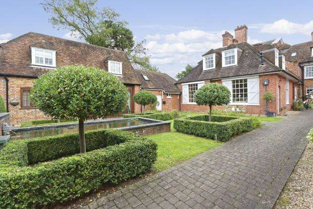 House for sale in Firgrove Manor, Firgrove Road, Hook