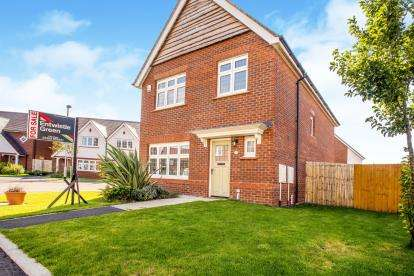 3 Bedrooms Detached House for sale in Leeward Close, Fleetwood, FY7