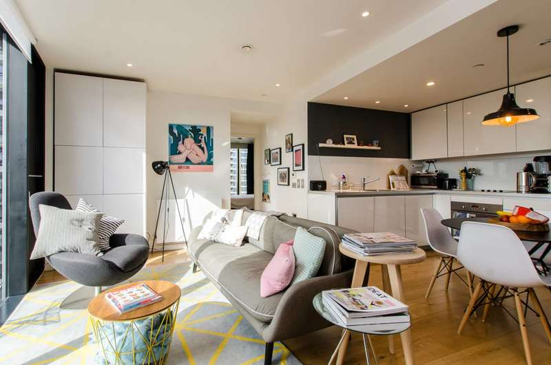 2 Bedrooms Flat for sale in Walworth Road, Southwark, SE1