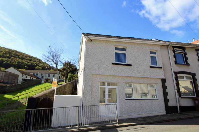 3 Bedrooms End Of Terrace House for sale in Bailey Street, Deri, Bargoed, CF81