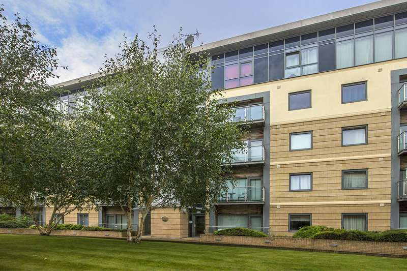 2 Bedrooms Apartment Flat for rent in Grove Park Oval, Gosforth, Newcastle Upon Tyne