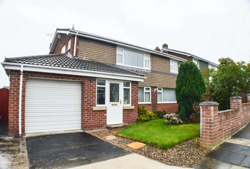 4 Bedrooms Detached House for sale in Woodburn Close, Winlaton, NE21