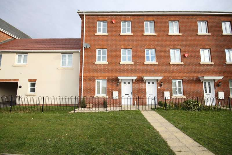 4 Bedrooms Town House for sale in Urquhart Road, Thatcham