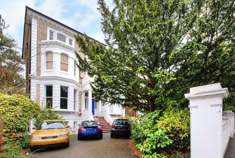 Studio Flat for sale in Langley Road, Surbiton, KT6