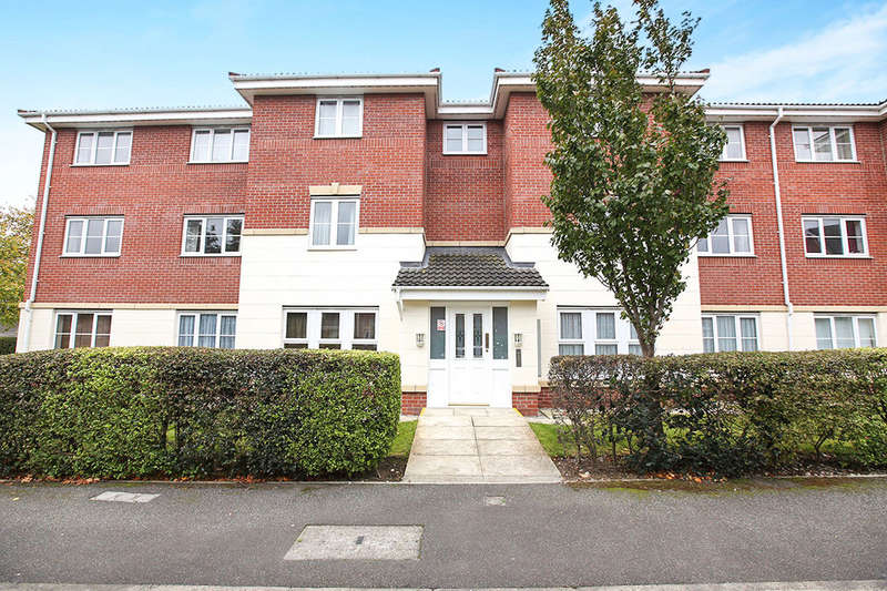 2 Bedrooms Flat for sale in William Foden Close, Sandbach, CW11