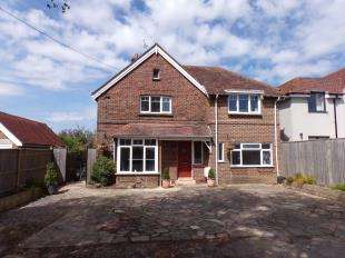 4 Bedrooms Detached House for sale in London Road, Ashington, Pulborough, West Sussex