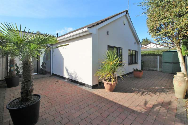 3 Bedrooms Detached Bungalow for sale in Irby Road, Heswall, Wirral, CH61 6UY