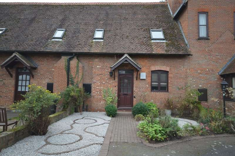2 Bedrooms Property for sale in St. Marys Court Church Lane, St. Mildreds, Canterbury, CT1
