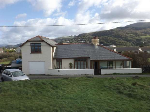 5 Bedrooms Detached House for sale in Penrhyn Drive South, Fairbourne, Gwynedd