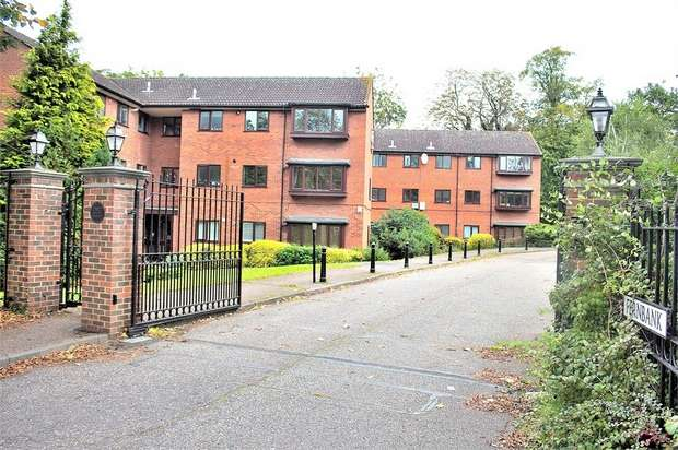 2 Bedrooms Flat for sale in Church Road, Buckhurst Hill, Essex