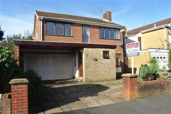 4 Bedrooms Detached House for sale in Winchcombe Road, Thornton-Cleveleys