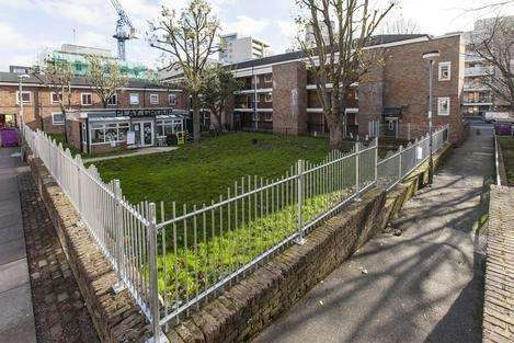 1 Bedroom Flat for sale in Bow Common Lane, London E3