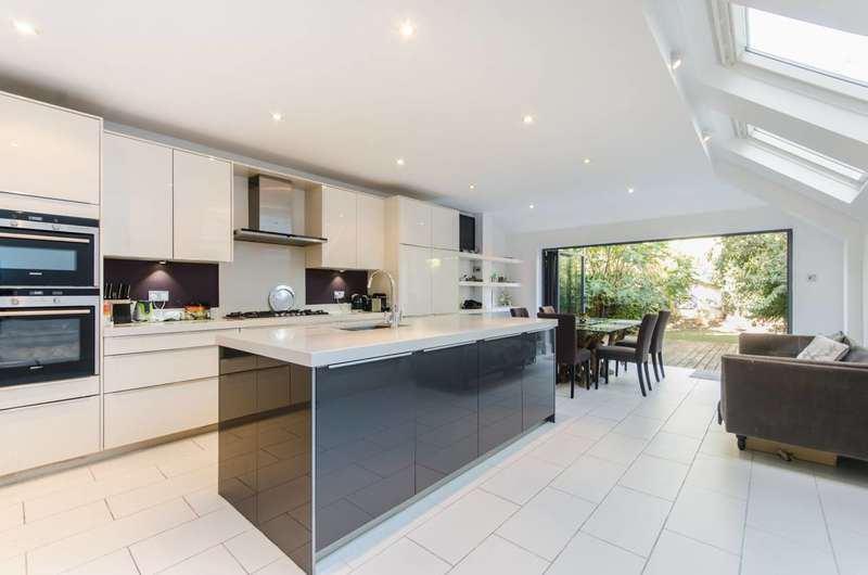 5 Bedrooms House for sale in Lysia Street, Fulham, SW6