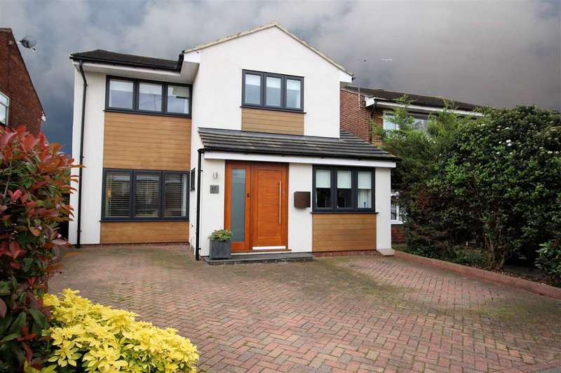 4 Bedrooms Detached House for sale in Mead Close