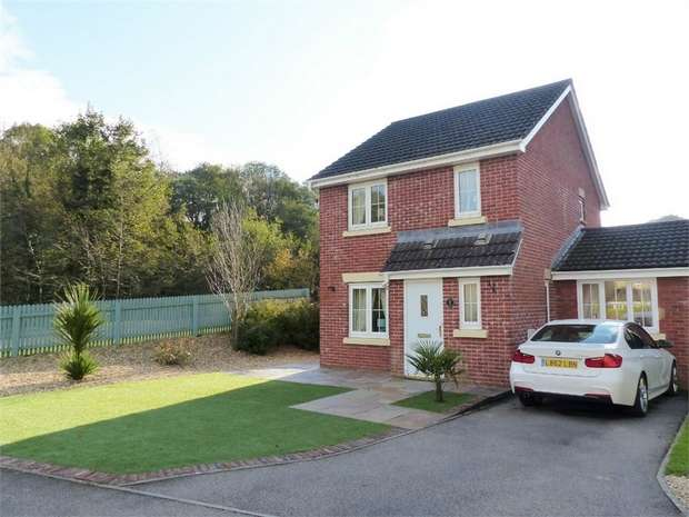 3 Bedrooms Detached House for sale in Cwm Felin, Blackmill, Bridgend, Mid Glamorgan