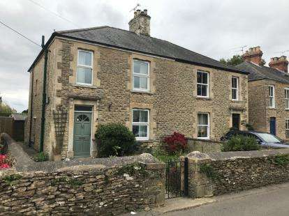 3 Bedrooms Semi Detached House for sale in Northfield Road, Tetbury