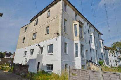 4 Bedrooms Flat for sale in Gosport, Hampshire