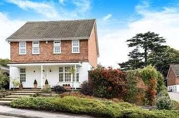 4 Bedrooms Detached House for sale in Heatherbank, Chislehurst, Kent, BR7 5RE