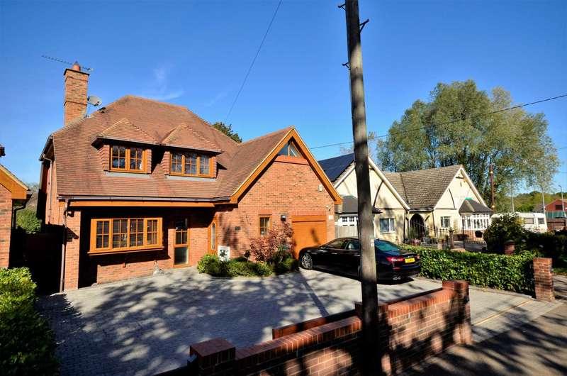 4 Bedrooms Detached House for sale in Downham Road, Billericay