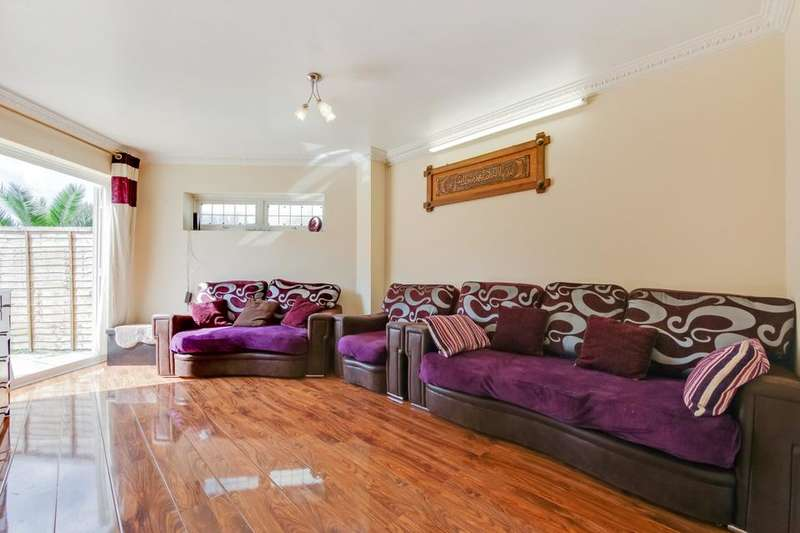 4 Bedrooms House for sale in Flamstead Road, Dagenham RM9