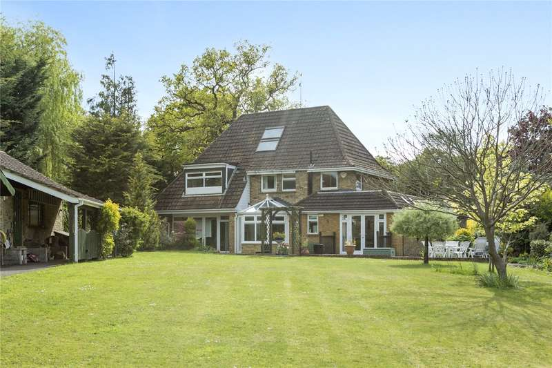 4 Bedrooms Detached House for sale in Oak Grange Road, West Clandon, Guildford, Surrey, GU4