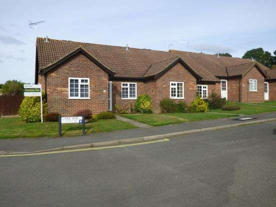 2 Bedrooms Bungalow for sale in Liphook, Hampshire, United Kingdom