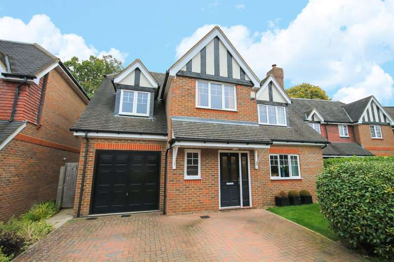 5 Bedrooms Detached House for sale in Birch Grove, Felbridge