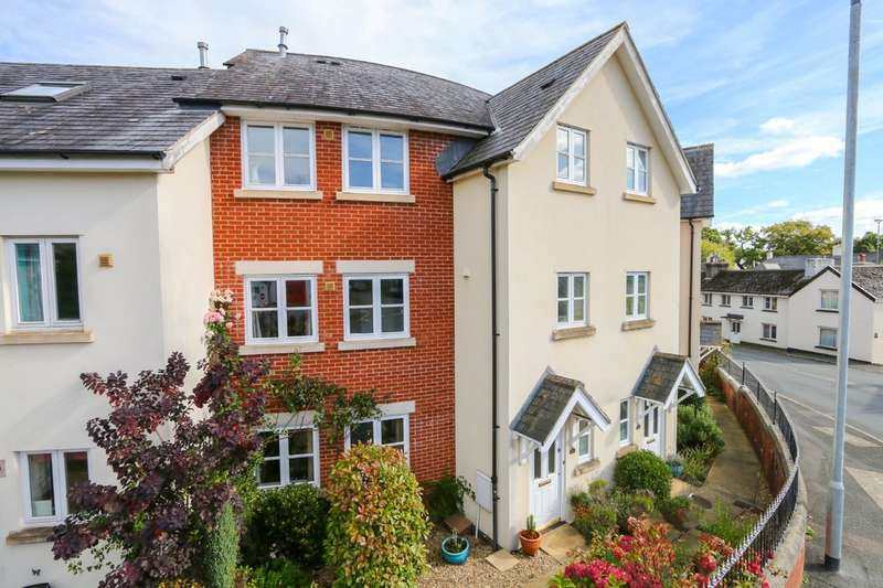 3 Bedrooms Terraced House for sale in Station Court, Bovey Tracey
