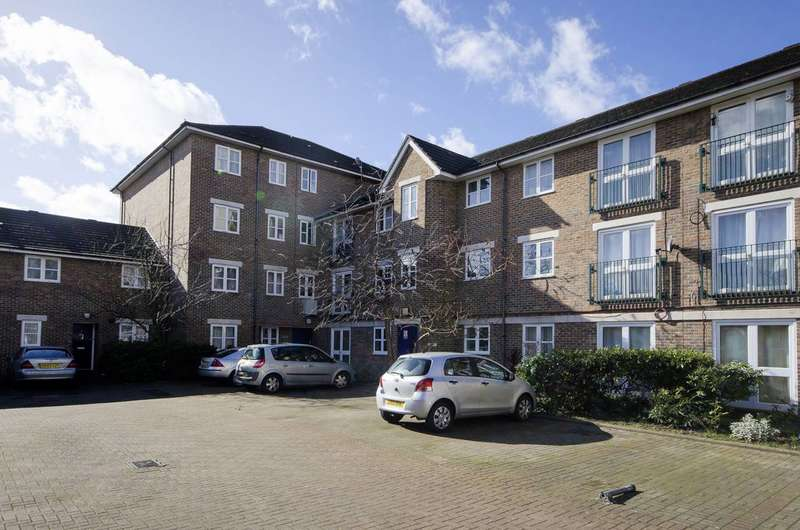2 Bedrooms Flat for sale in Caravel Close, Isle Of Dogs, E14