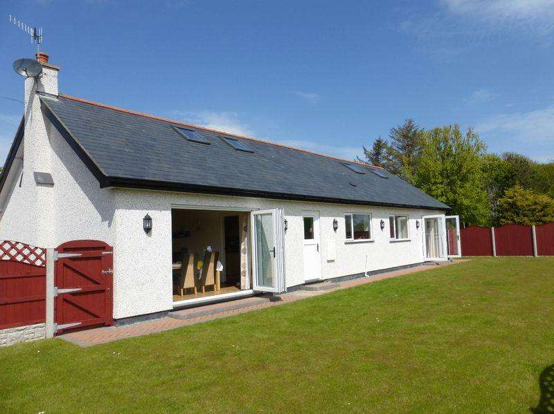 3 Bedrooms Detached House for sale in Cemaes Bay