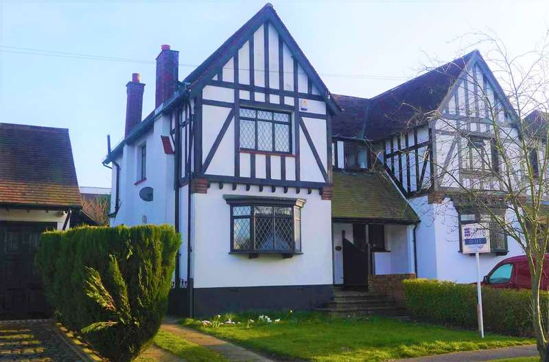 4 Bedrooms House for rent in Margaret Avenue, Shenfield