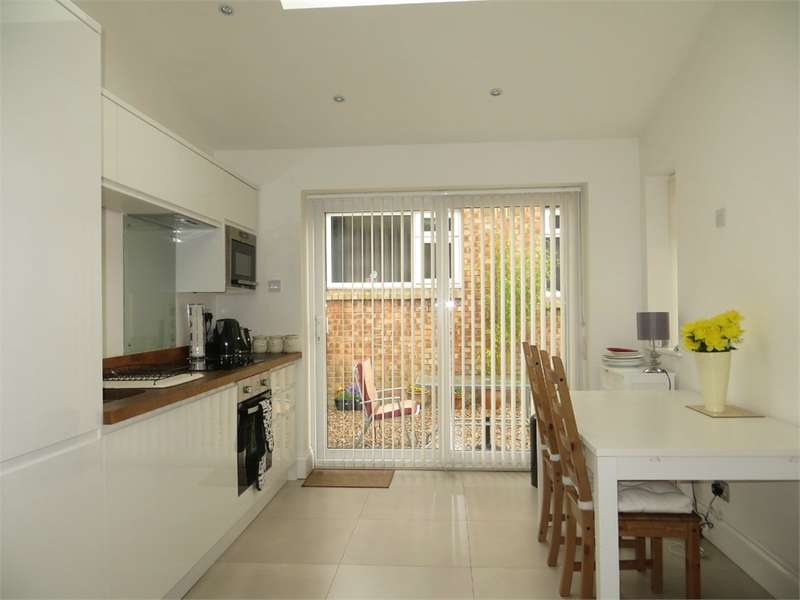 2 Bedrooms Flat for sale in Boldmere Road, Sutton Coldfield, West Midlands
