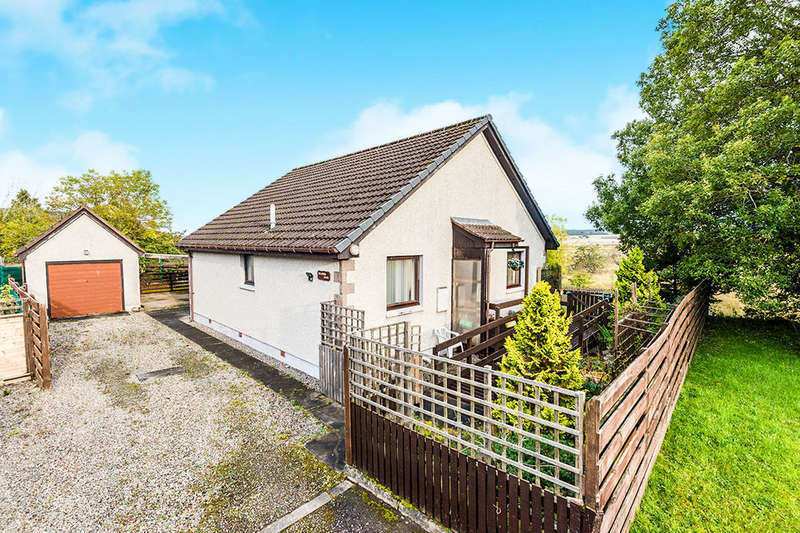 2 Bedrooms Detached Bungalow for sale in Craig Road, Dingwall, IV15