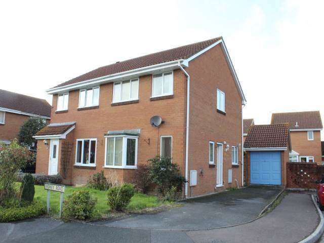3 Bedrooms House for rent in Fowey Road, Worle, Weston-super-Mare