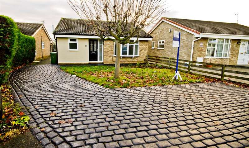 3 Bedrooms Detached Bungalow for sale in Merring Close, Hartburn, Stockton-on-Tees, TS18 5QA