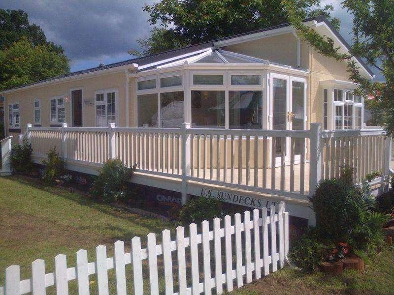 2 Bedrooms Park Home Mobile Home for sale in Goit Stock Lane, Harden, Bingley